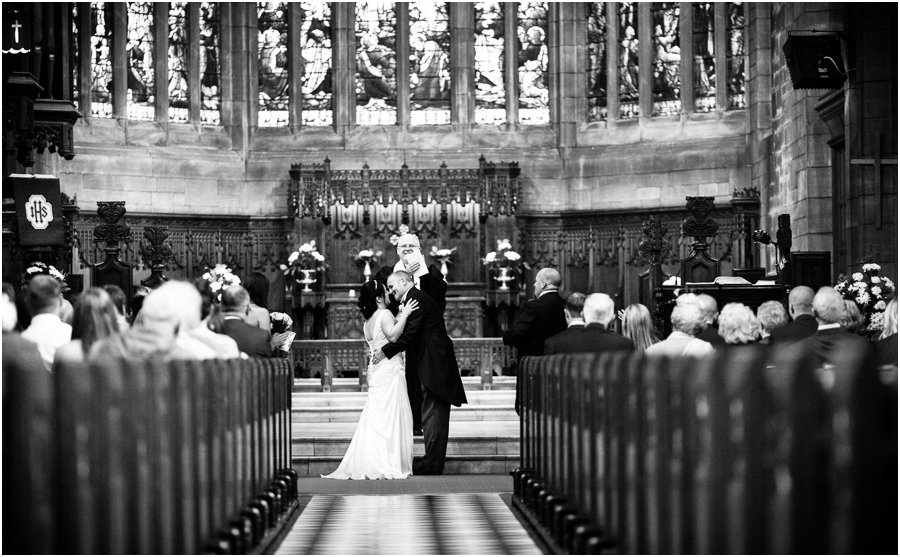 church ceremony reportage wedding